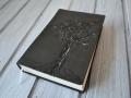 biblie piele copac.JPG